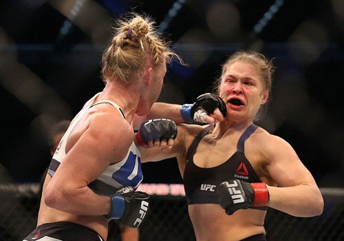 Nu hoang UFC Rousey bi ha knock-out trong tran thua dau tien hinh anh