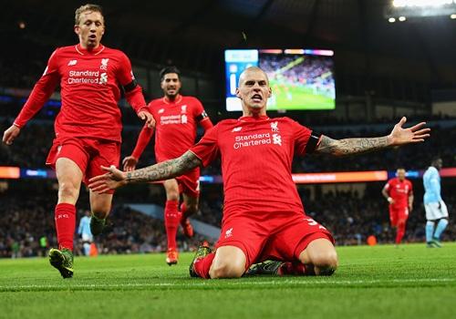 Liverpool nhan chim Man City tren san Etihad hinh anh