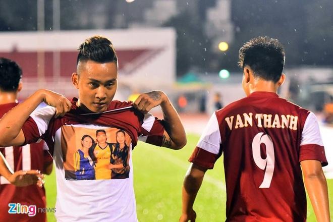 Thang Thai Lan 4-2, U21 VN len ngoi dau bang A hinh anh 11