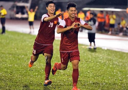 Thang Thai Lan 4-2, U21 VN len ngoi dau bang A hinh anh