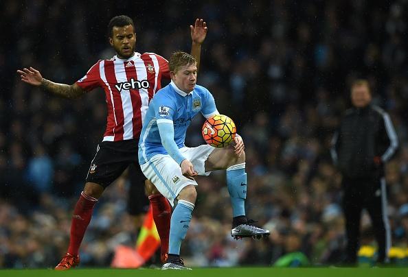 Man City 3-1 Southampton: De Bruyne toa sang hinh anh 14