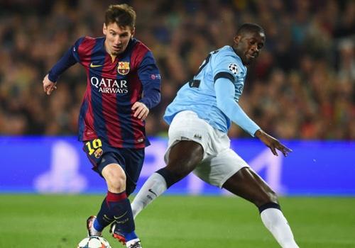'Man City dang no luc thuyet phuc Messi' hinh anh
