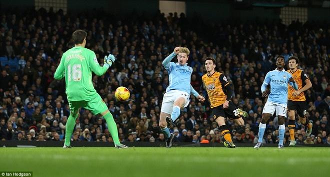 De Bruyne lap cu dup dua Man City vao ban ket League Cup hinh anh 7