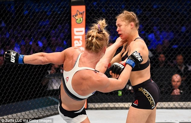 Nu hoang UFC Rousey co co hoi phuc thu Holm hinh anh 1