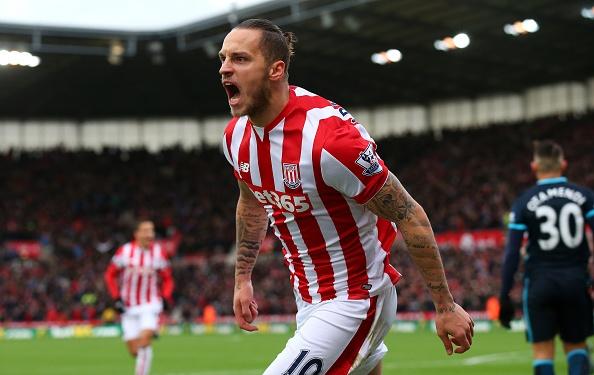 Thua Stoke 0-2, Man City mat ngoi dau bang hinh anh 14