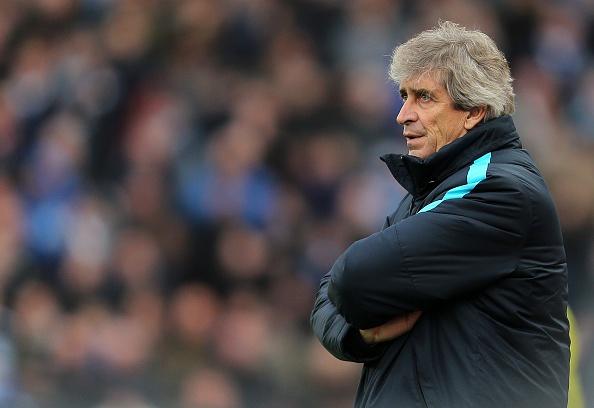 Thua Stoke 0-2, Man City mat ngoi dau bang hinh anh 22