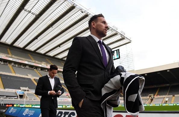 Newcastle 2-0 Liverpool: 'Lu doan do' guc nga hinh anh 10