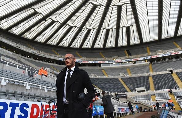 Newcastle 2-0 Liverpool: 'Lu doan do' guc nga hinh anh 11