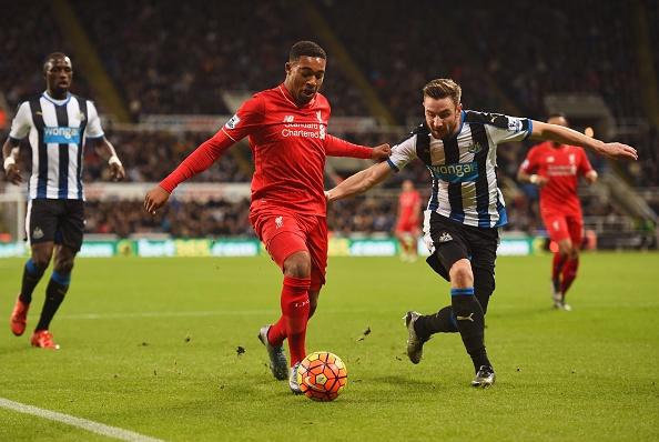 Newcastle 2-0 Liverpool: 'Lu doan do' guc nga hinh anh 18