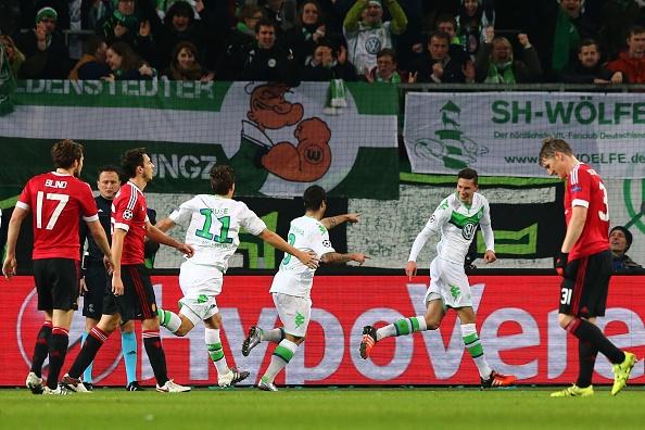 Thua Wolfsburg 2-3, MU dung buoc o Champions League hinh anh 20