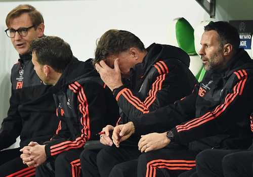 Thua Wolfsburg 2-3, MU dung buoc o Champions League hinh anh