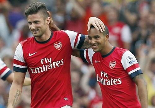 Buoc dem hoan hao cho Arsenal nam 2016 hinh anh