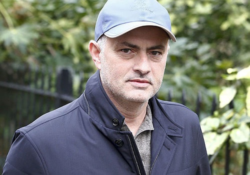 Chelsea van phai tra tien neu Mourinho den MU hinh anh