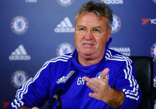 Hiddink dat 3 muc tieu lon cho Chelsea mua nay hinh anh