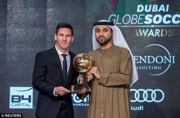 Messi duoc vinh danh cau thu xuat sac nam 2015 hinh anh 1