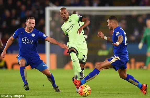 Man City can Leicester tro lai ngoi dau Premier League hinh anh 2