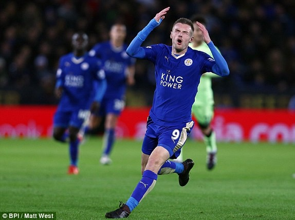 Man City can Leicester tro lai ngoi dau Premier League hinh anh 6