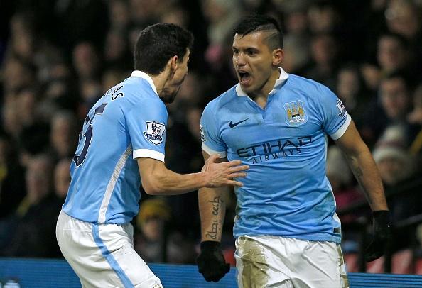 Sergio Aguero giup Man City thang nguoc 2-1 hinh anh