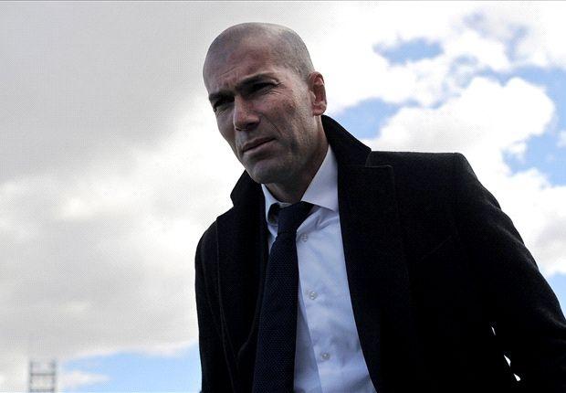 Zidane su dung doi hinh nao o Real? hinh anh 1