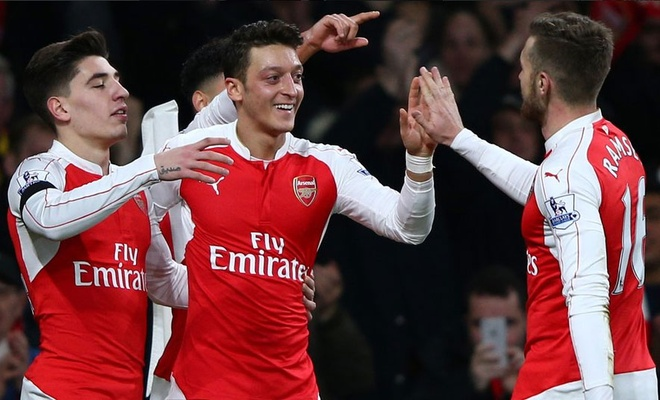 Nhung yeu to giup Arsenal dan dau Premier League hinh anh 1