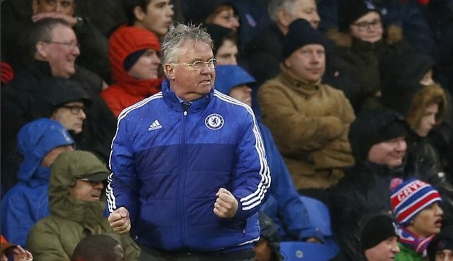 Guus Hiddink chia tay Chelsea cuoi mua nay hinh anh 1