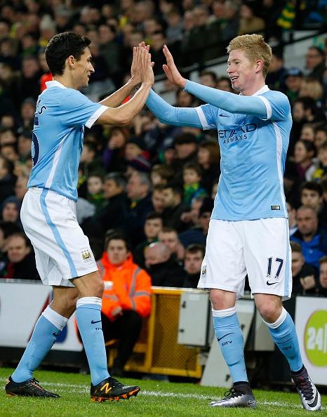 Aguero solo ghi ban, Man City ha Norwich 3-0 hinh anh 7