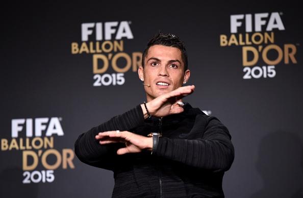 Messi gianh Qua bong vang FIFA 2015 hinh anh 9