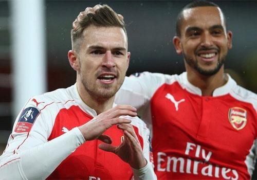 Liverpool - Arsenal: 'Phao thu' phuc thu hinh anh