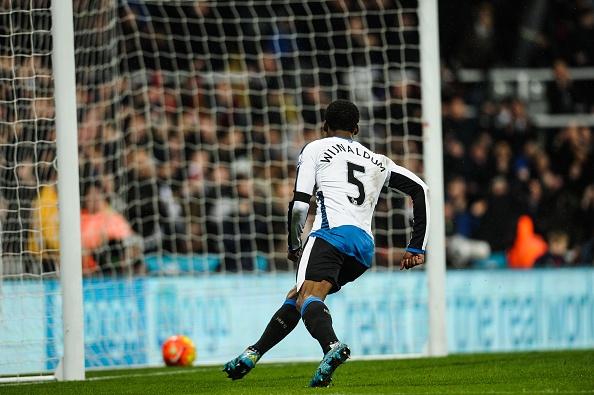 Newcastle 3-3 MU: Quy do mat diem phut 90 du dan truoc 2 ban hinh anh 8