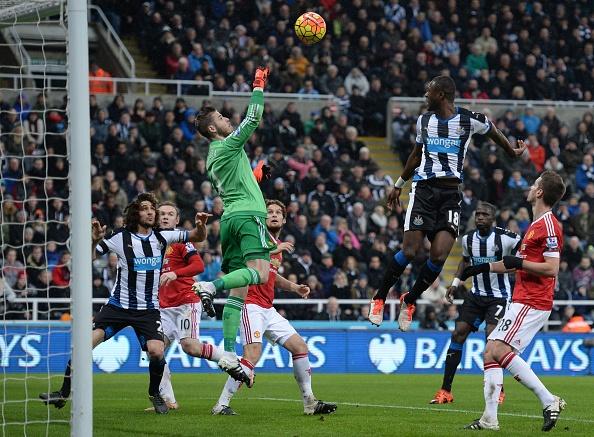 Newcastle 3-3 MU: Quy do mat diem phut 90 du dan truoc 2 ban hinh anh 9