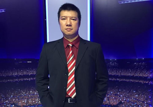 BLV Quang Huy: 'Chelsea da o cua duoi truoc Arsenal' hinh anh