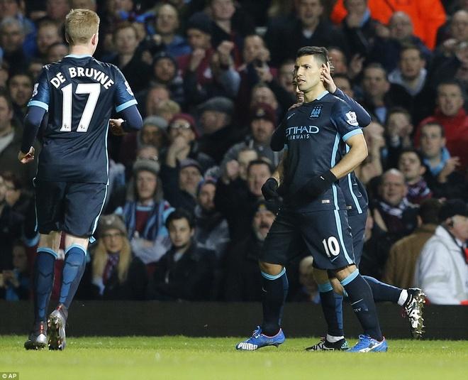Aguero lap cu dup giup Man City thoat thua West Ham hinh anh 4
