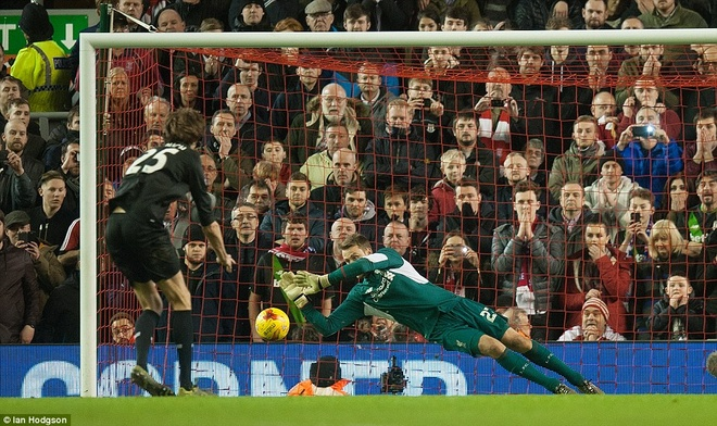 Liverpool vao chung ket League Cup sau loat sut penalty hinh anh 7