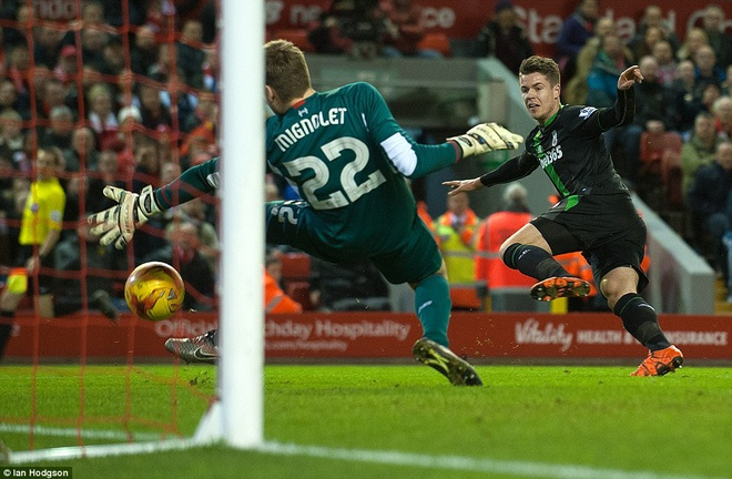 Liverpool vao chung ket League Cup sau loat sut penalty hinh anh 5