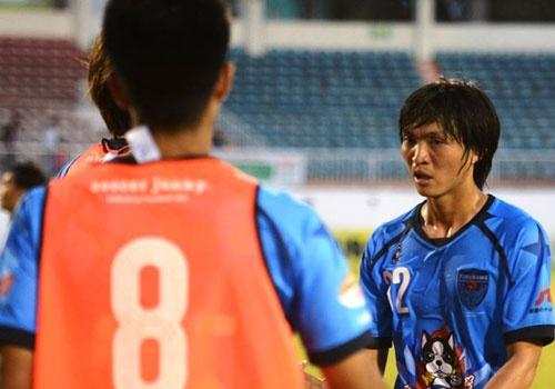 Tuan Anh da tran ra mat, Yokohama thang HAGL 1-0 hinh anh