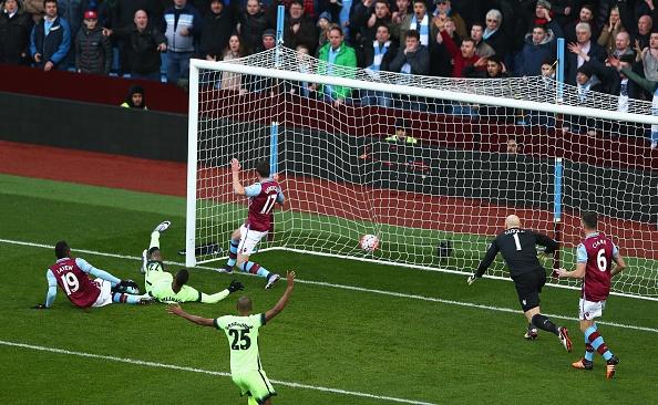 Man City thang Aston Villa 4-0, Arsenal ha Burnley 2-1 hinh anh 3