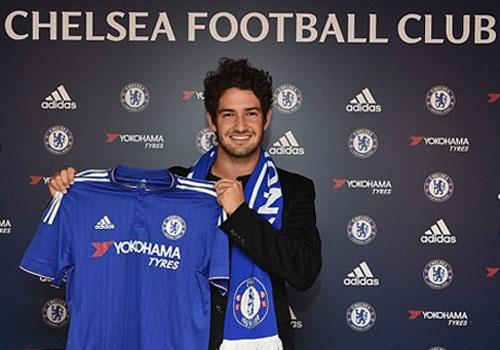 Pato hanh phuc khi ra mat o Chelsea hinh anh