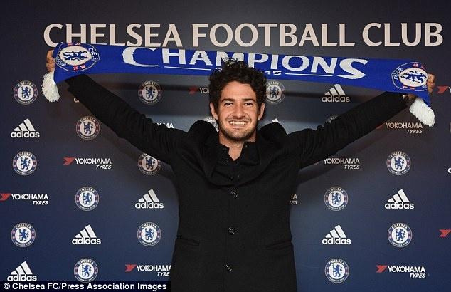 Pato hanh phuc khi ra mat o Chelsea hinh anh 3