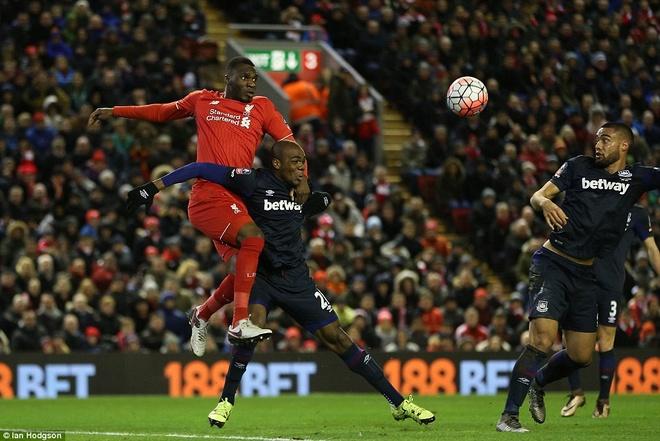 Benteke dut diem toi, Liverpool phai da lai o FA Cup hinh anh 5