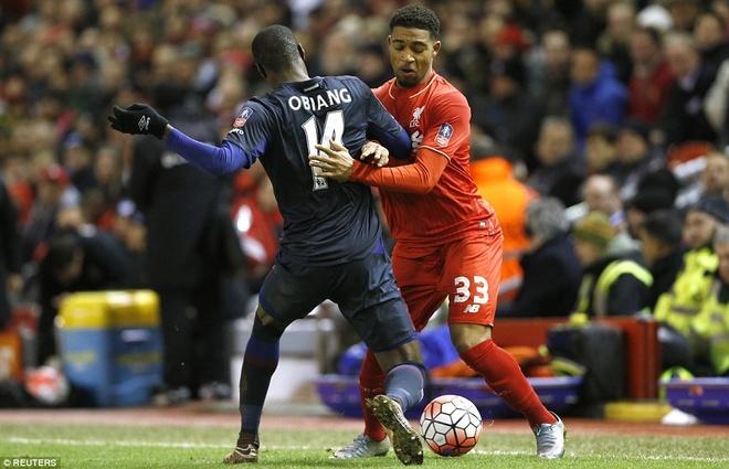 Benteke dut diem toi, Liverpool phai da lai o FA Cup hinh anh 7