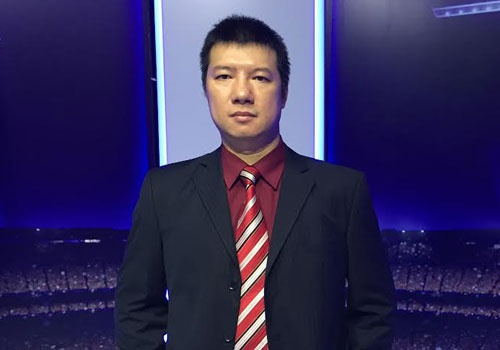 BLV Quang Huy: 'Hut Guardiola, MU nen moi Mourinho' hinh anh 1