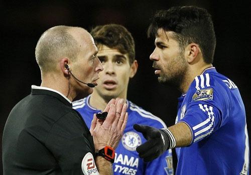 Chelsea van bat bai duoi thoi HLV Hiddink hinh anh