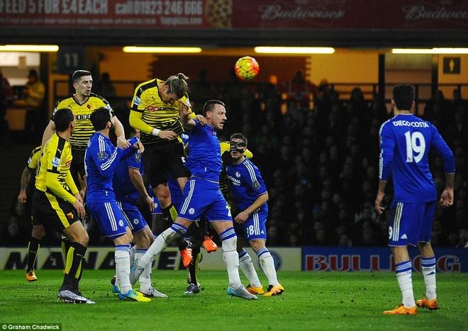 Chelsea van bat bai duoi thoi HLV Hiddink hinh anh 6