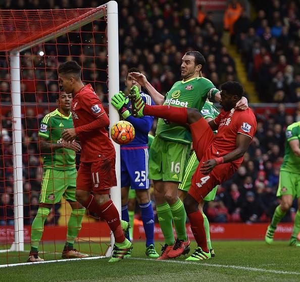 Dan truoc 2 ban, Liverpool mat chien thang phut 89 hinh anh 5