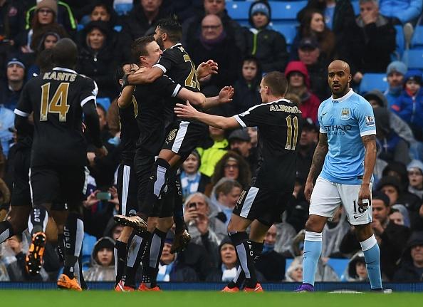 Aguero ghi ban, Man City van thua Leicester 1-3 hinh anh 3