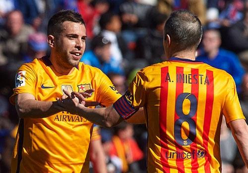 Barca thang 2-0, Enrique can bang ky luc cua Guardiola hinh anh