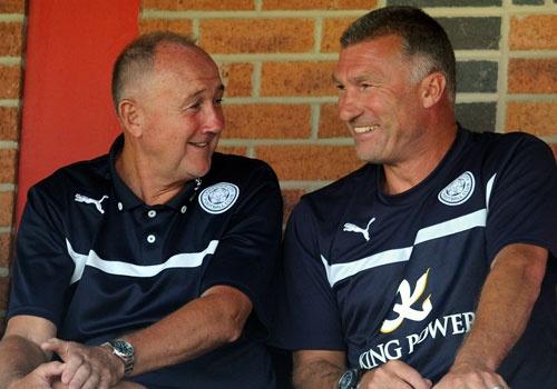 Arsenal lay chuyen gia cua Leicester hinh anh