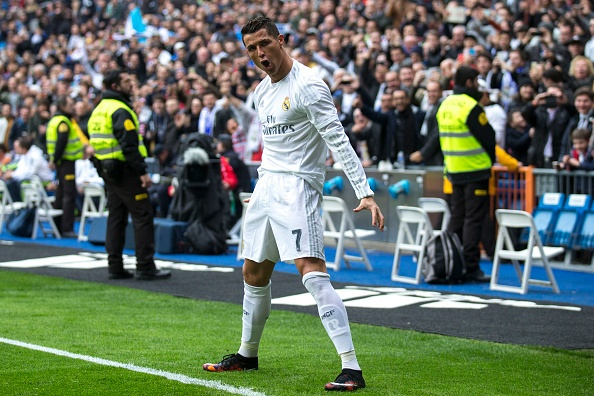 Ronaldo lap cu dup, Real vuon len thu 2 sau Barca hinh anh 8
