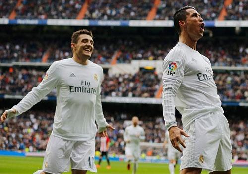 Ronaldo lap cu dup, Real vuon len thu 2 sau Barca hinh anh