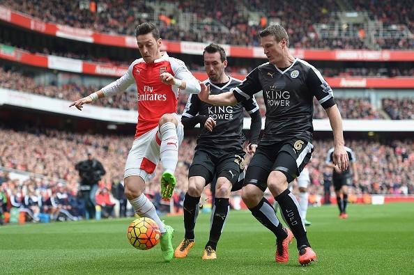 Choi hon nguoi, Arsenal thang kich tinh 2-1 truoc Leicester hinh anh 4